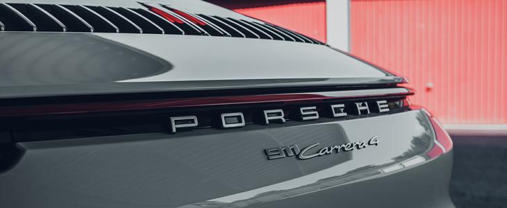 Čipovan 2020 Porsche 911 (992) Carrera 4 - Uporedite snagu sa Carrera 4S
